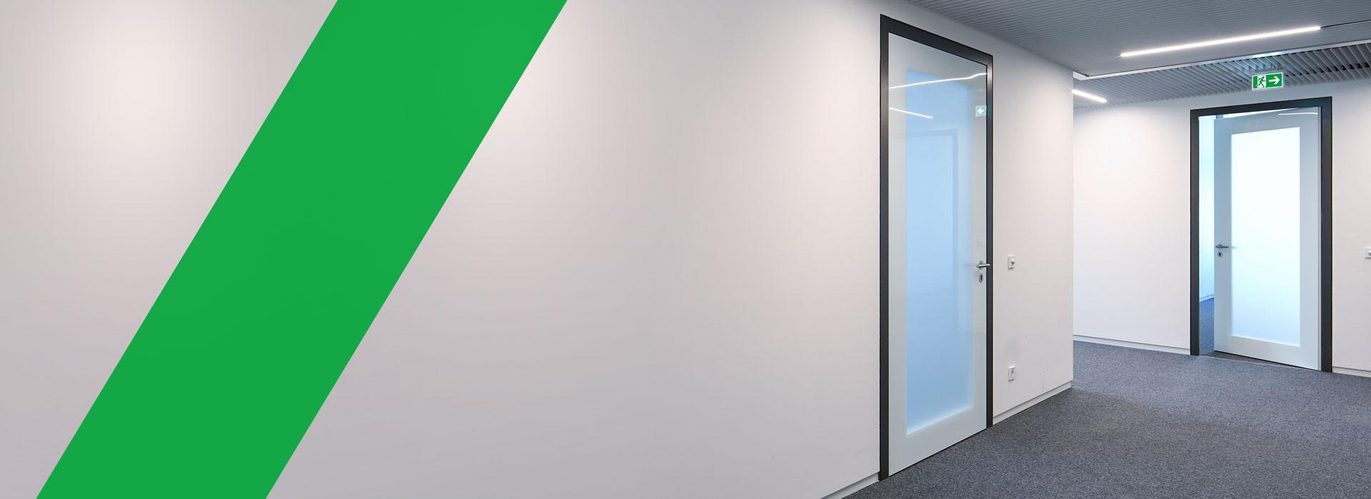 AZ Metallbau, Heldrungen Thüringen, Aluminiumzargen, Zargen, Sondertüren, Sondertürelemente, Verglasung, Verglasungselemente, Glaswände, Glastrennwand, Türelemente, Wandbündige Zargen